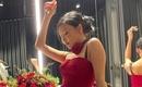MAMAMOO ファサ、強烈なレッドドレス姿を公開…セクシーな魅力